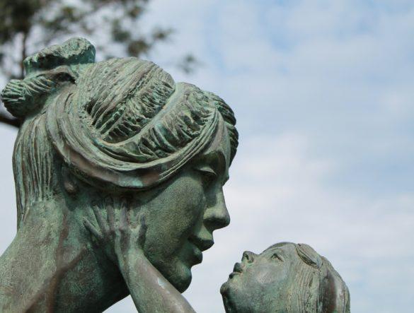 """""""Die deutsche Mutter"""" von Barbara Vinken und die Frage """"Wie frei sind wir von Vorurteilen?"""""""